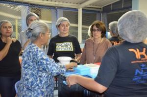 Irmã Sreeja Devessy e Irmã Nonata Bezerra ajudaram