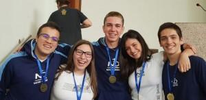 Estudantes foram agraciados com a Medalha Sempre Notre Dame
